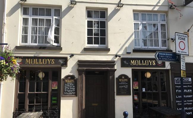 _0006_Molloys